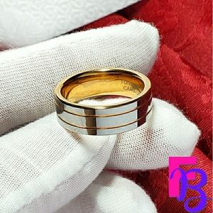 Size 10.5 Mens Tungsten Ring